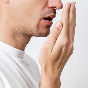 Mundgeruch selbst erkennen